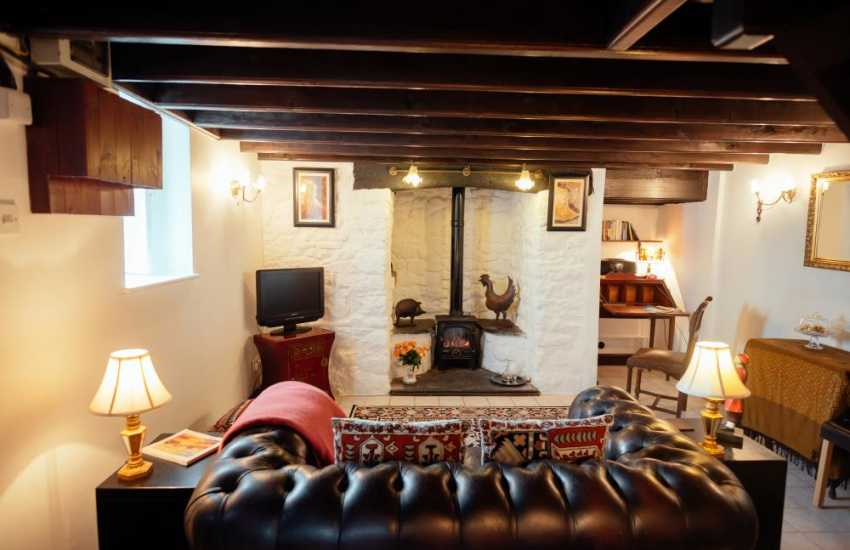 Whiteford Burrows holiday cottage for two and dog - lounge