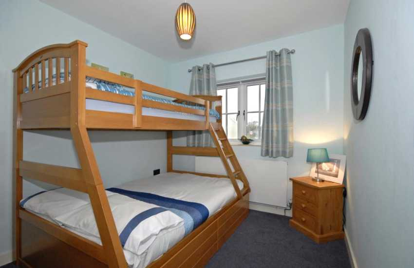 North Pembrokeshire holiday home sleeping 8 - triple sleeper bunk bedroom