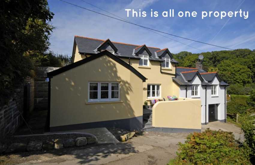 Newport, Cwm yr Eglwys renovated holiday cottage with sea views - pets welcome