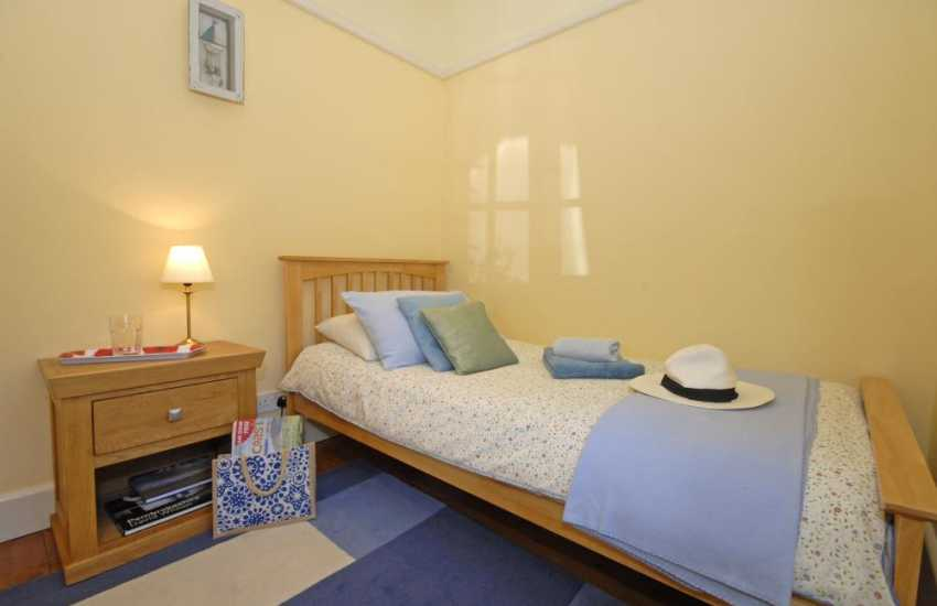 Tenby holiday home sleeping 5 - single bedroom