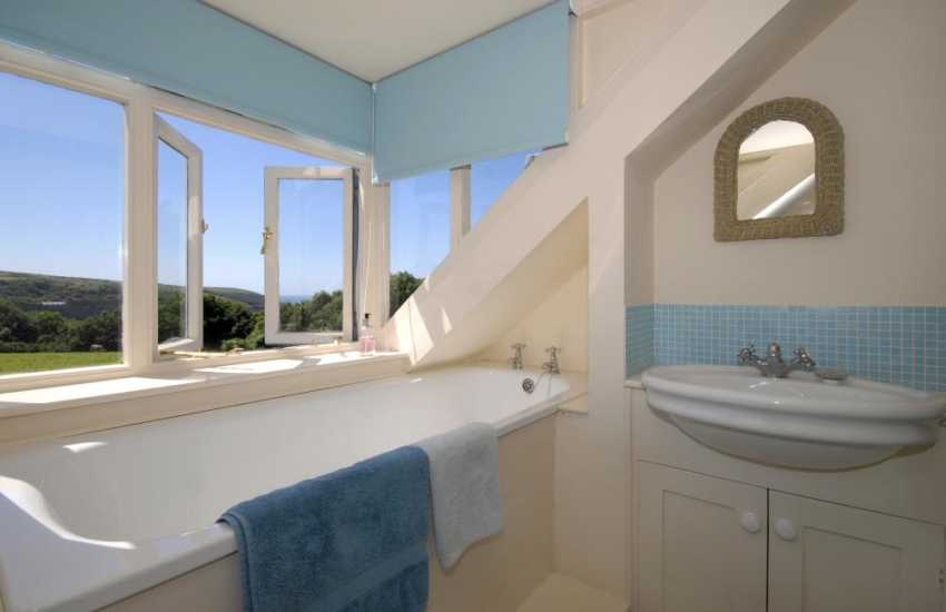 Manorbier holiday cottage - first floor bathroom with separate walk-in shower