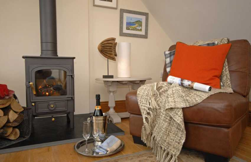 Cosy South Pembrokeshire cottage with log burning stove