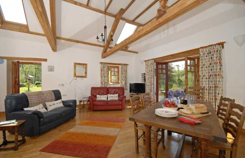 Carmarthenshire barn conversion with spacious lounge/dining room and free wi-fi