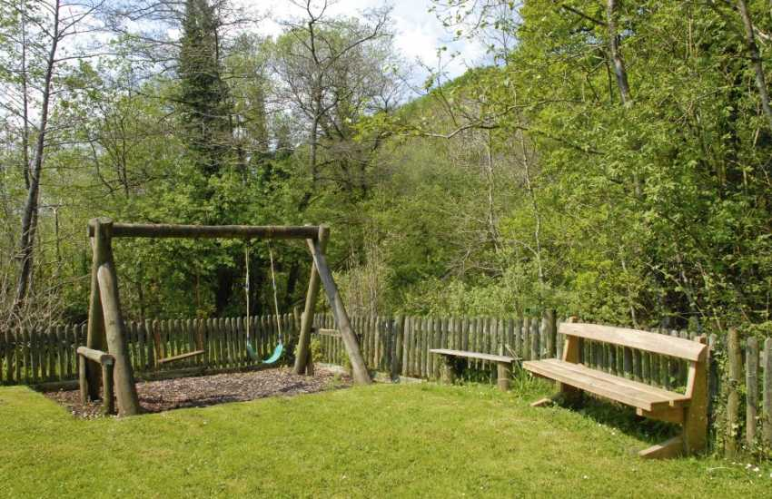 Carmarthenshire holiday cottage with childrens play area