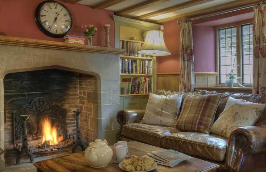 Hay on Wye holiday house - lounge
