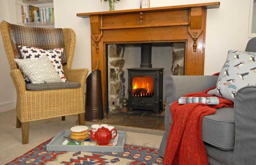 Cosy Pembrokeshire holiday cottage with log burner