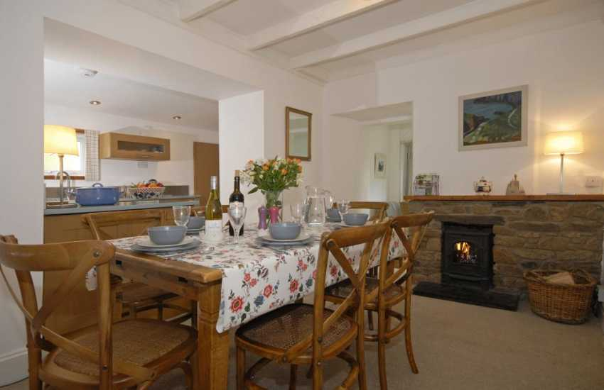 Solva holiday cottage with open plan kitchen/dining area and log burning stove