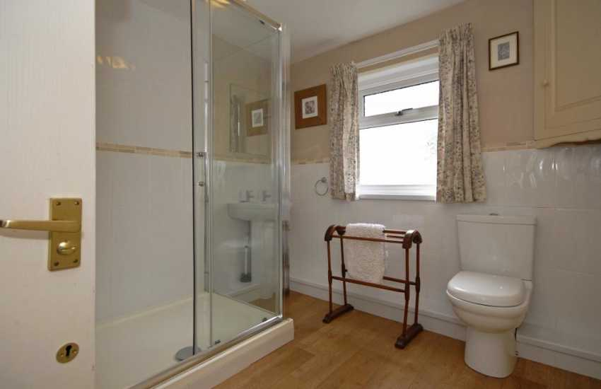 North Pembrokeshire holiday cottage - family shower room