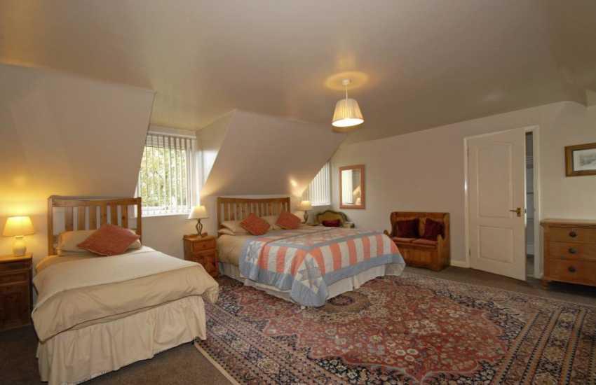 Mathry family holiday house - family bedroom with en-suite bathroom