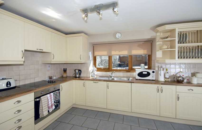 Self-catering town house Aberaeron, Cardiganshire -  kitchen