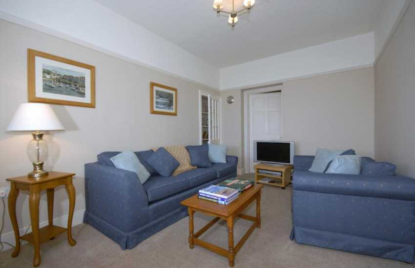 Wales Aberystwyth holiday cottage - family sitting room