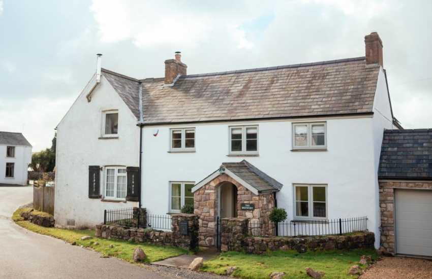 A  luxury characterful cottage-sleeps 6