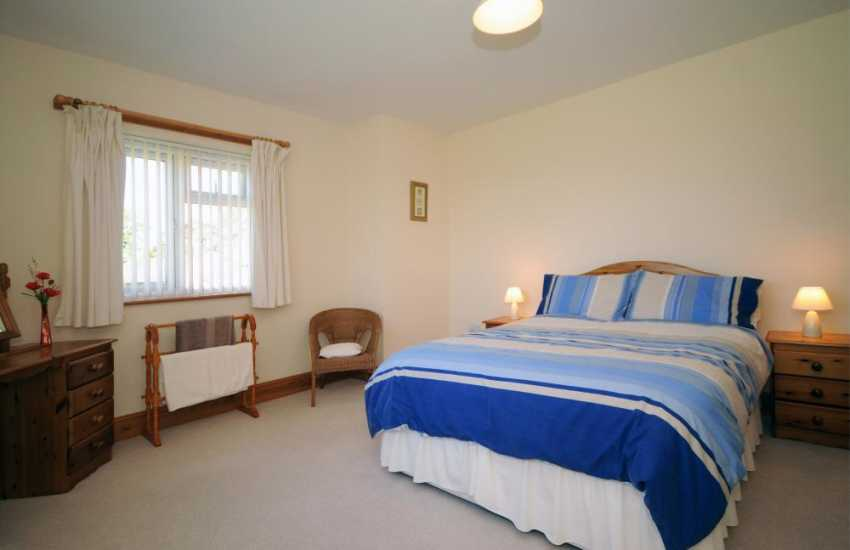 Pwllheli holiday house - bedroom