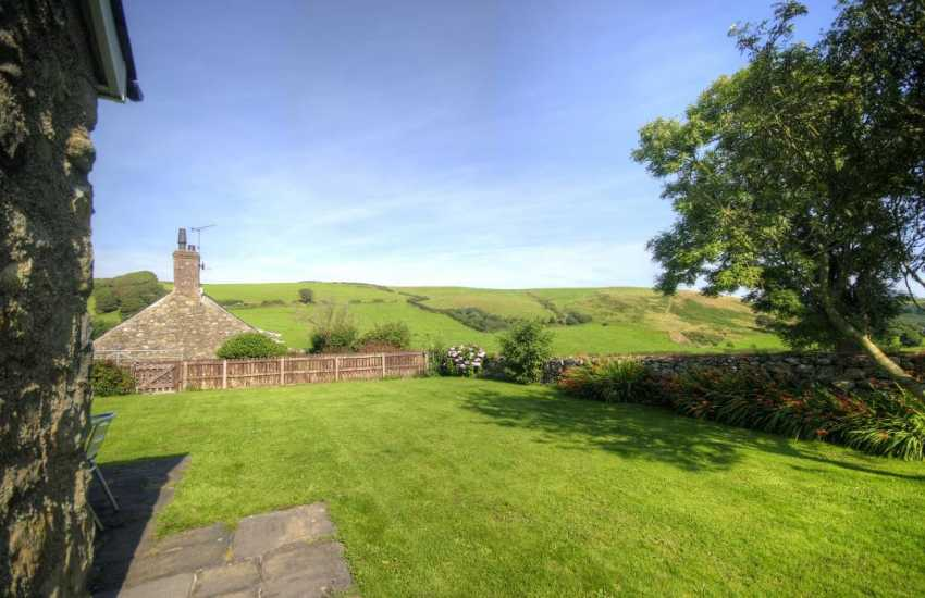 Hells Mouth holiday cottage Wales - garden