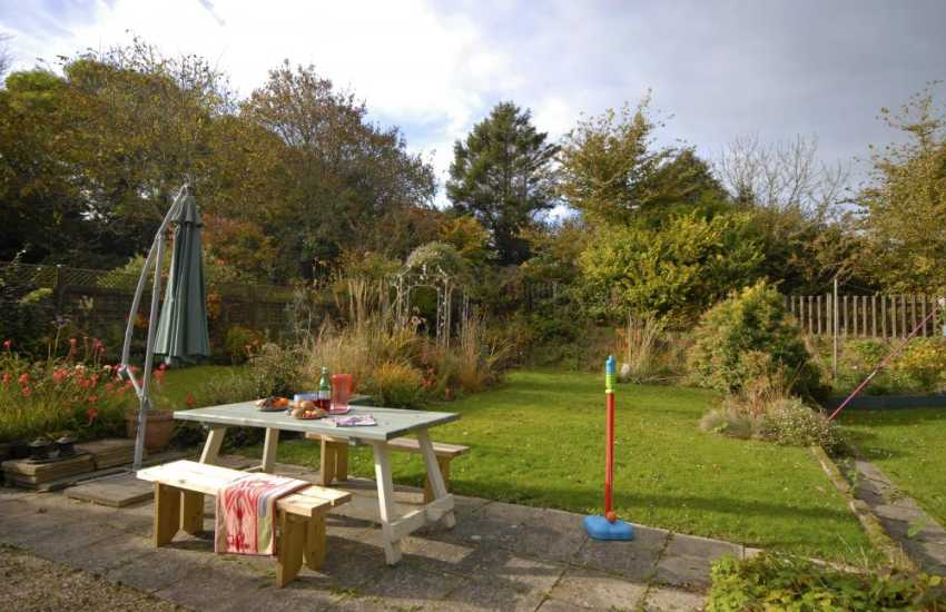 Coastal cottage Newport Pembrokeshire - enclosed private rear gardens
