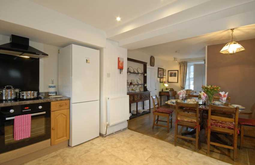 Self catering Solva cottage with open plan kitchen/diner