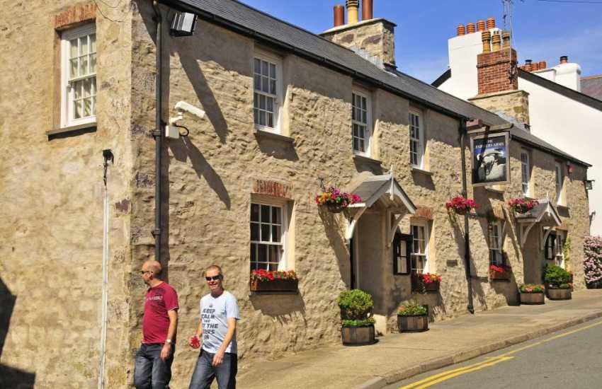 The Farmers Arms, St Davids serves plentiful bar food and has a large dog friendly beer garden