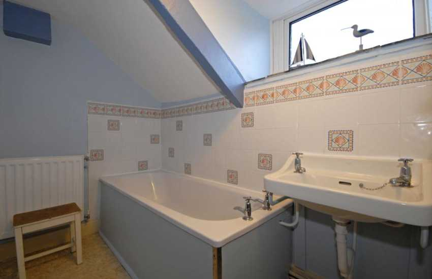 Whitesands Bay holiday cottage first floor bathroom