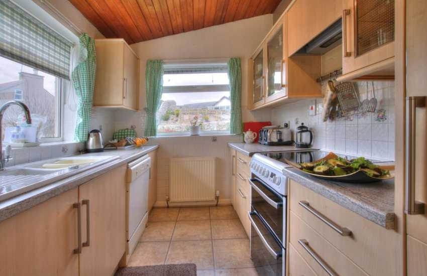 Pet friendly coastal cottage Wales - kitchen