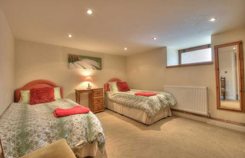 Mid Wales holiday cottage - bedroom