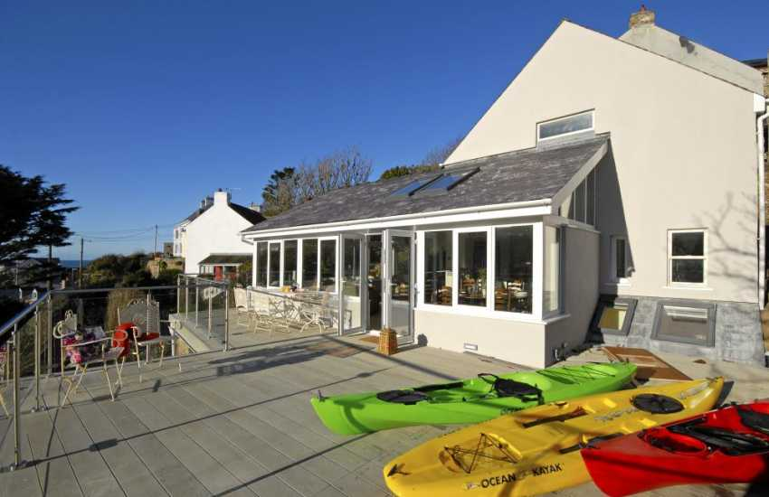 Pembrokeshire holiday cottage with garden - dogs welcome