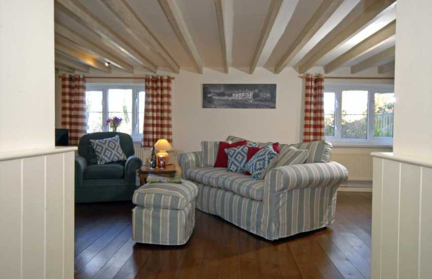 North Pembrokeshire cosy holiday home - sitting room