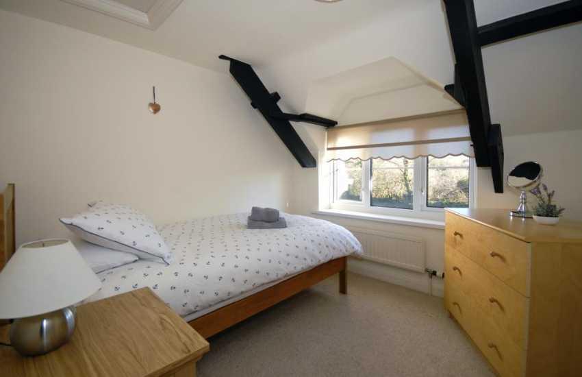 Coastal Pembrokeshire cottage sleeping 5 - single bedroom