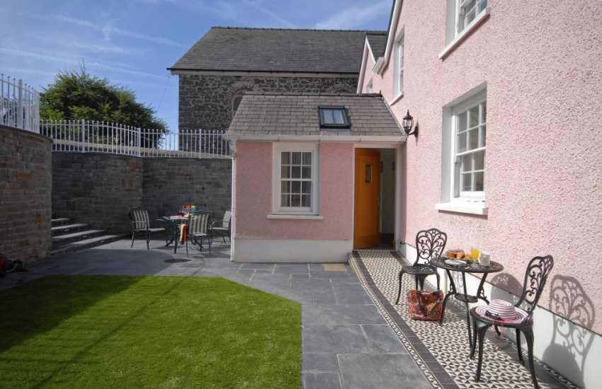 Holiday cottage Wales Aberaeron-garden