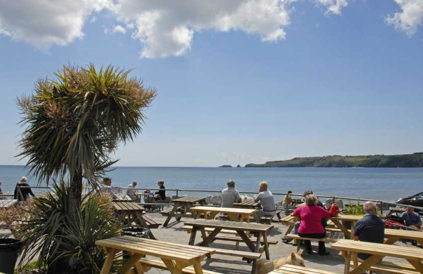 The Wiseman's Bridge Inn which serves real ales and excellent home cooked food overlooks the beach