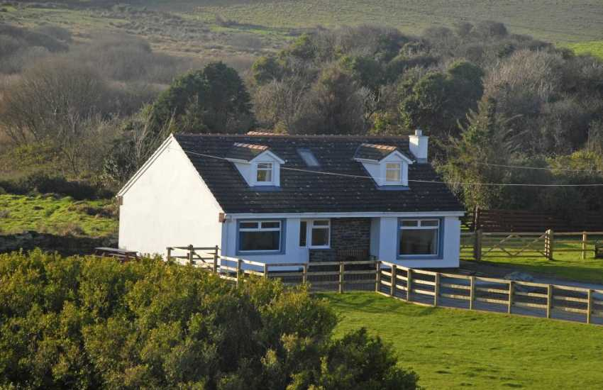 Porthgain hoiday home with large garden