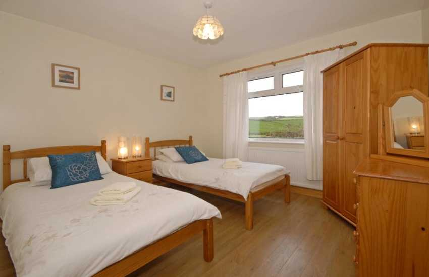 Porthgain cottage sleeps 8 - ground floor twin