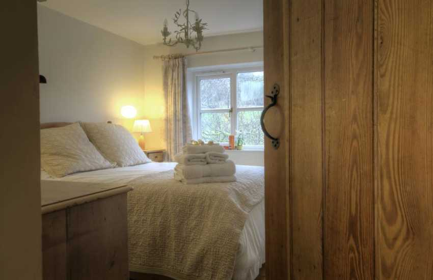 Brecon holiday cottage-bedroom