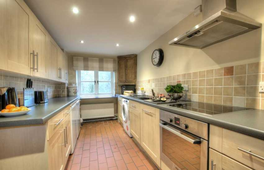 Brecon Beacons holiday cottage-kitchen