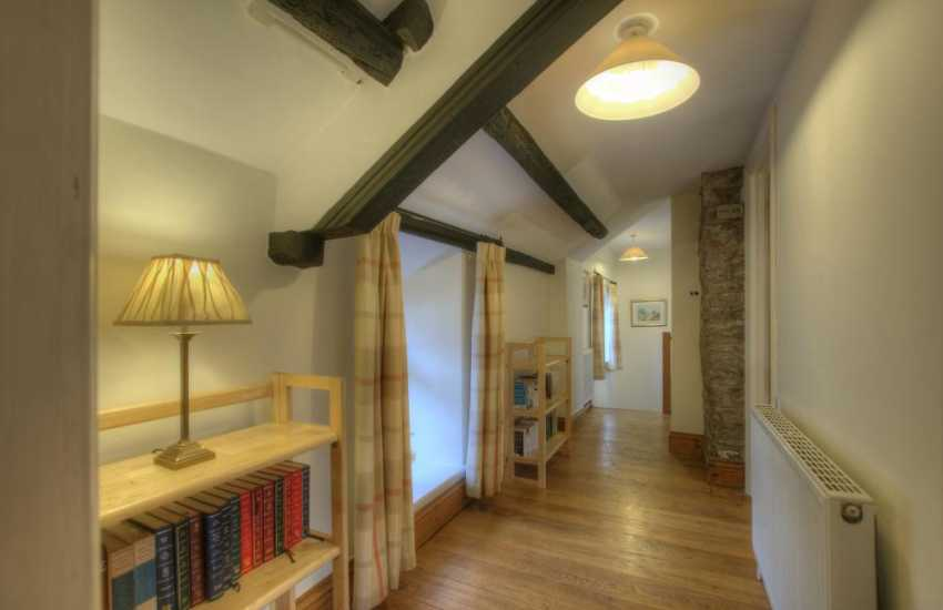 Mid Wales holiday cottage-landing