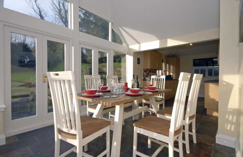 Dale self-catering - conservatory/kitchen