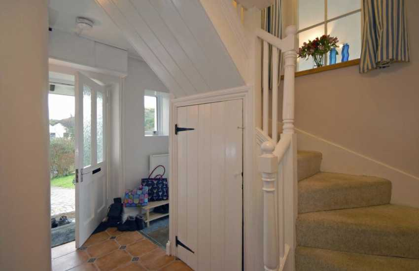 Holiday cottage Dale - entrance hall