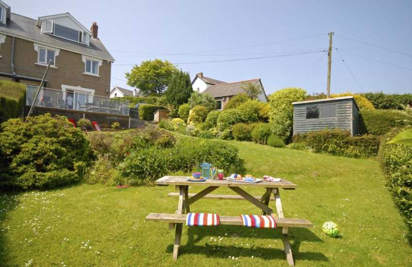 Pet friendly New Quay holiday house with gardens