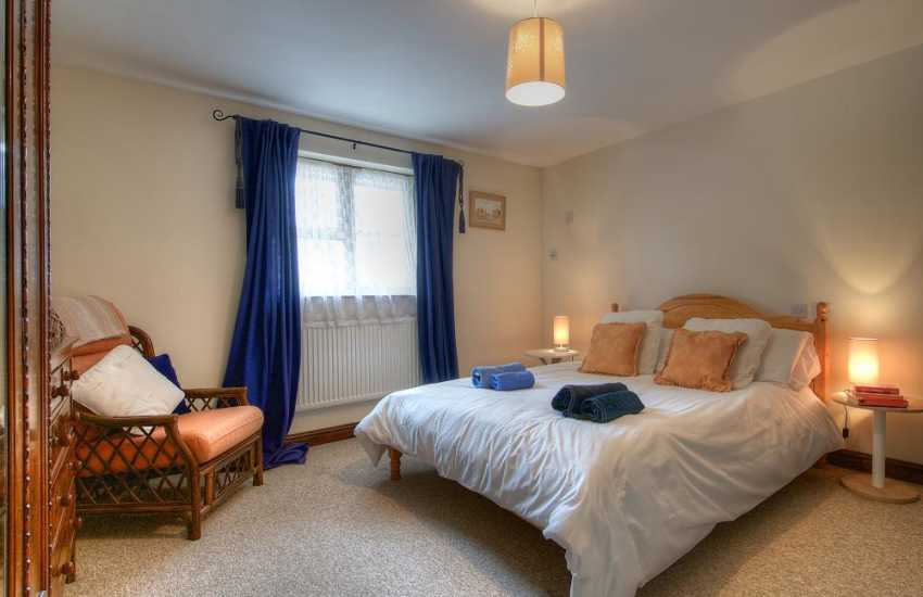 Carmarthenshire holiday cottage - bedroom