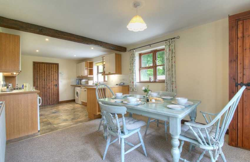 Holiday cottage mid wales - kitchen