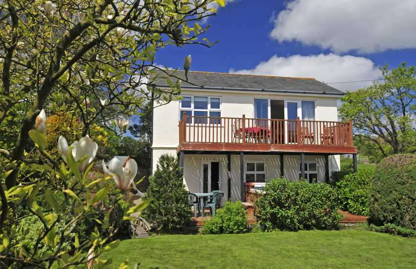 Anglesey cottage with hot tub - ext