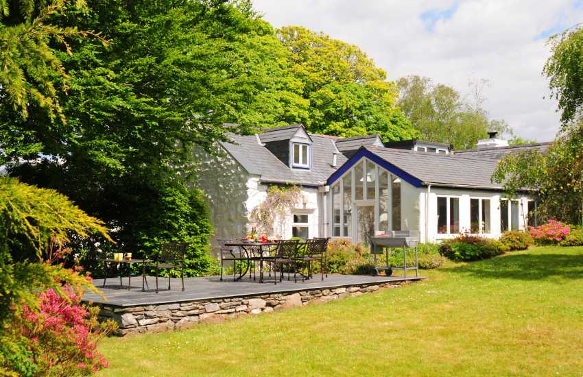 Holiday cottage near Cwm Bychan - exterior