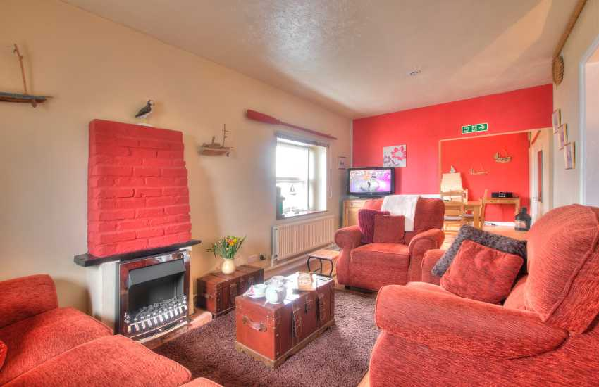 Pembrokeshire coastal cottage - lounge