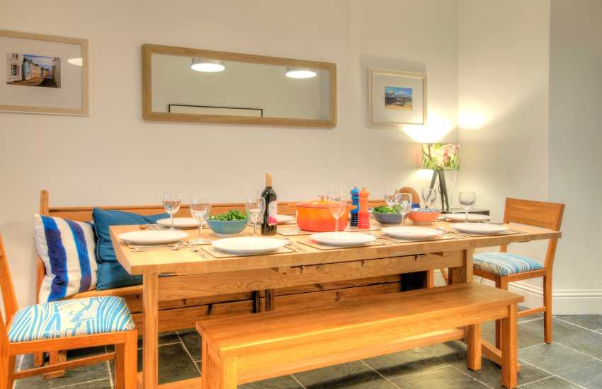 St Davids holiday cottage - dining