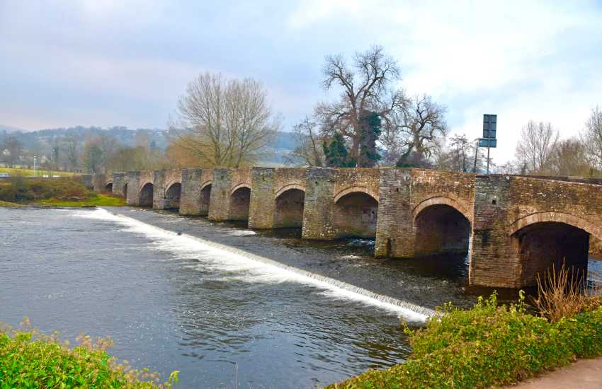 The bridge at Crickhowell is facinating, first built in 1538 is has 12 arches on one side and 13 on the other.  It is the longest stone bridge in Wales