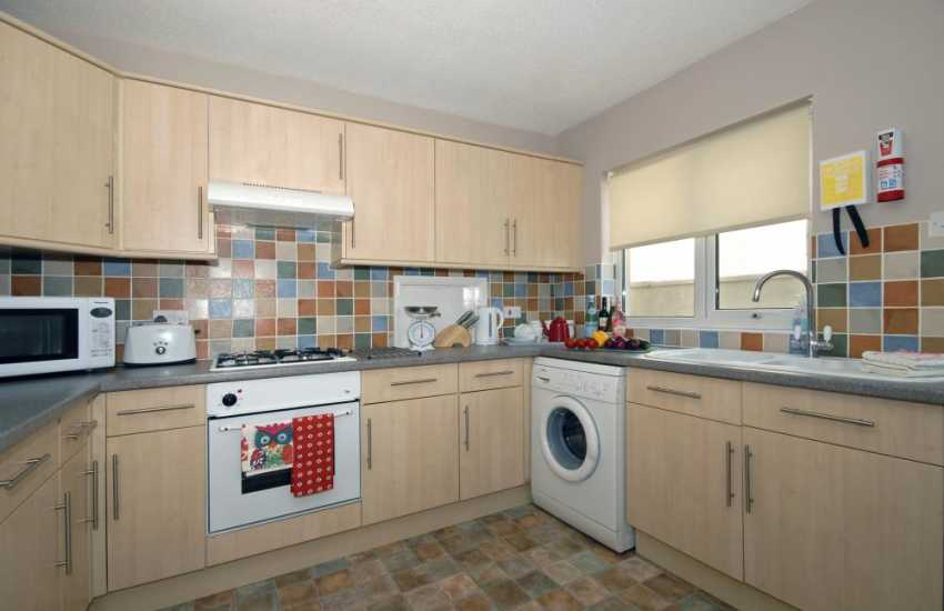 Self catering St Davids - holiday home with spacious kitchen area