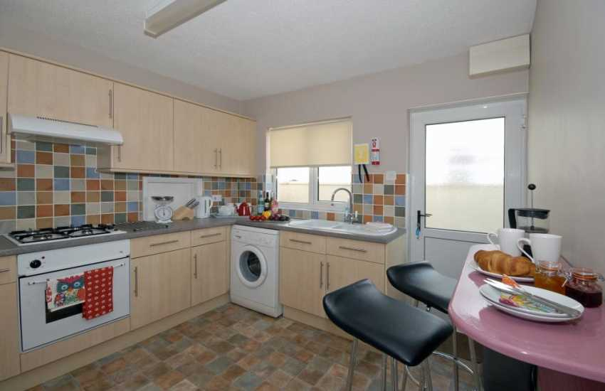 St Davids city family holiday bungalow - modern fitted kitchen