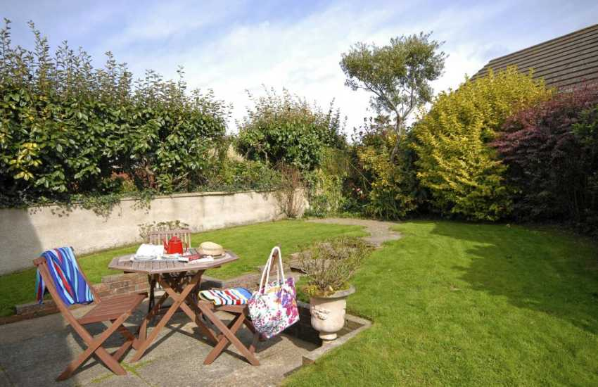 Pet friendly North Pembrokeshire holiday home with enclosed rear gardens