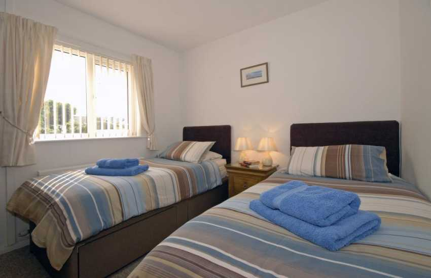 Pembrokeshire holiday home sleeping 6 - twin