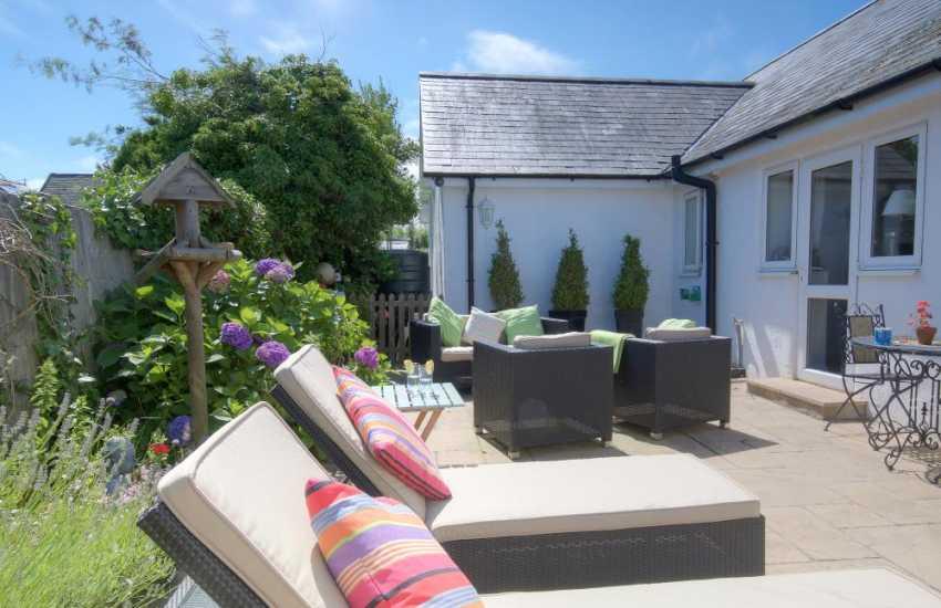 North wales coastal cottage  - patio