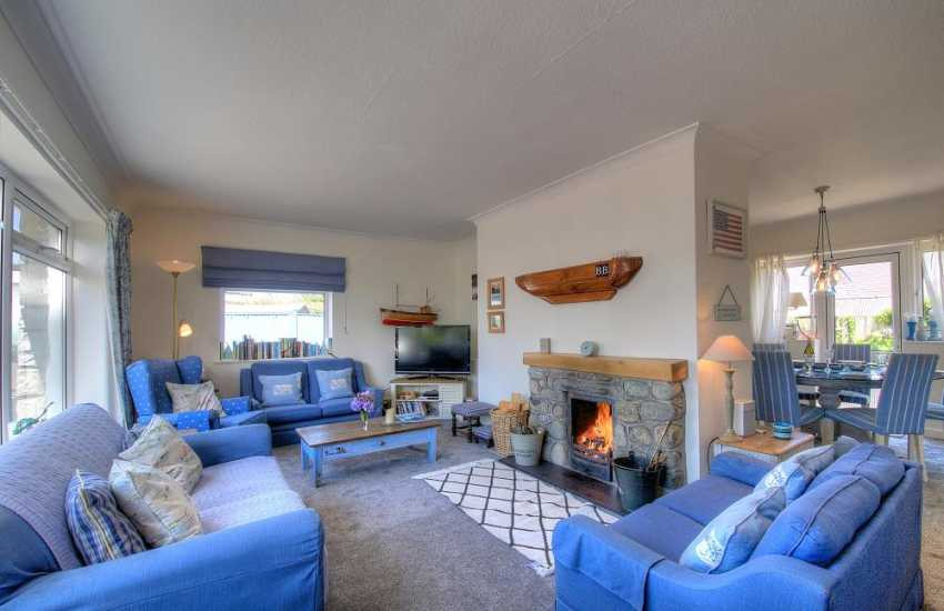 North wales coastal cottage - lounge